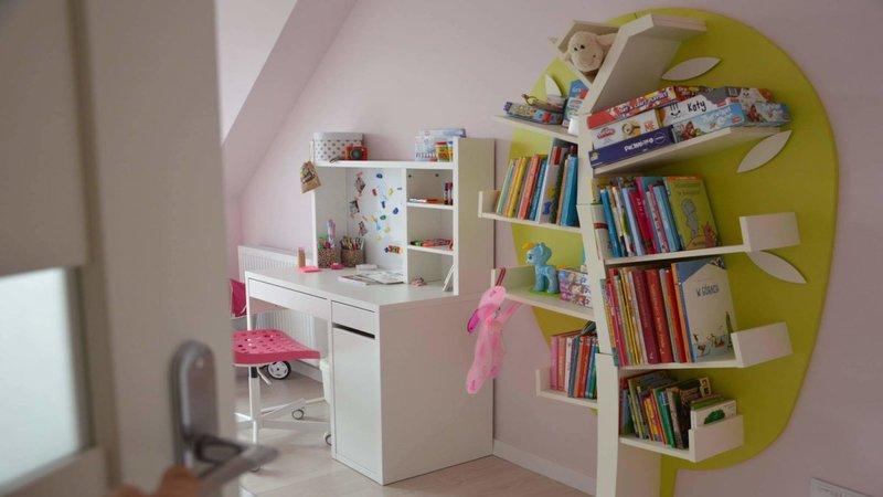 raft-carti-camera-copii